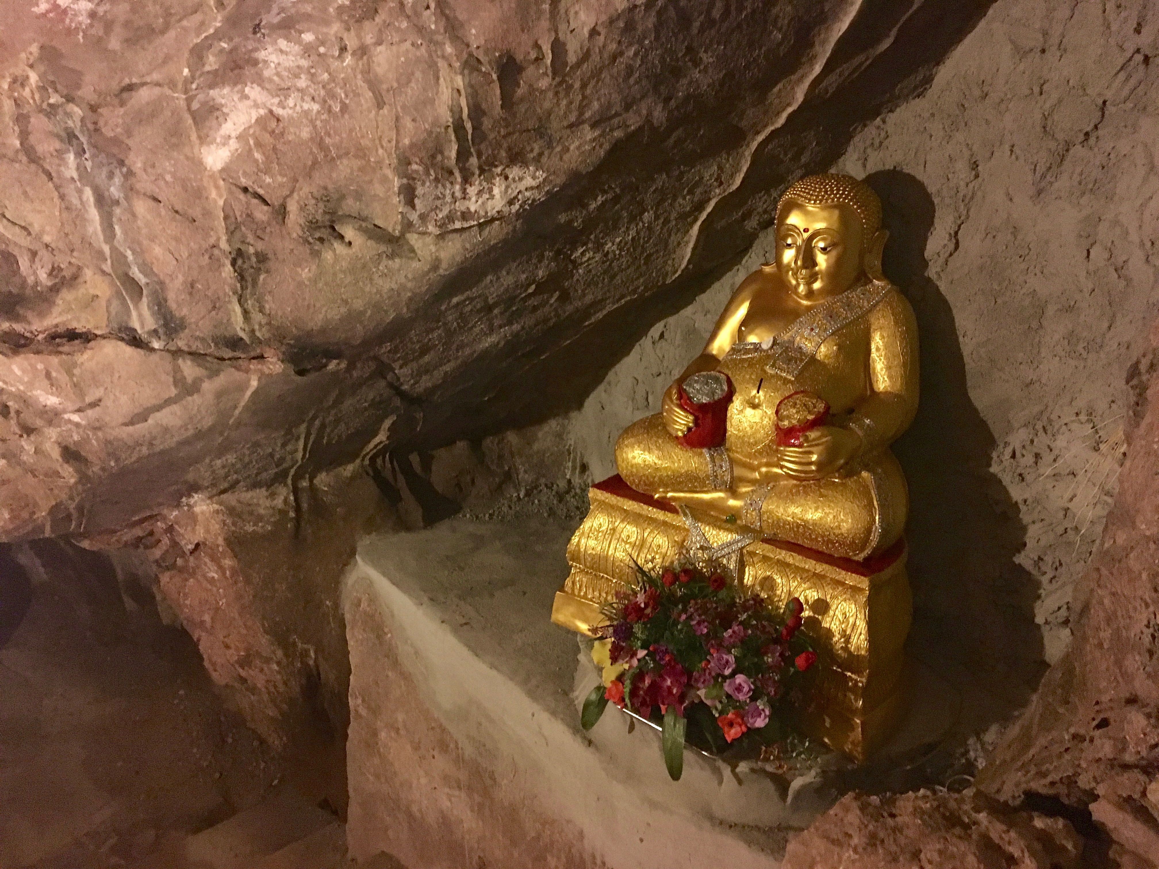 Chiang Dao Cave-Buddha Statue